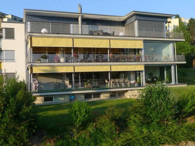 Luxuriöse 5 1/2 Zimmer EG-Wohnung in Freiburg