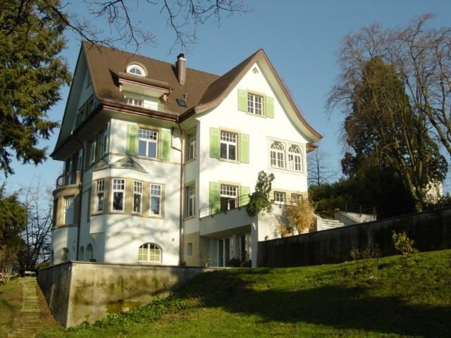 charmante Dach-Wohnung zu vermieten 11018282