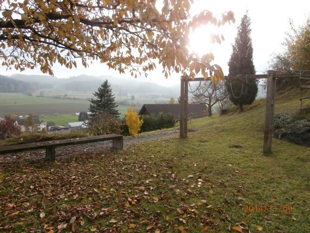 Grosszuegiges, unkonventionelles Haus mit grossem Garten