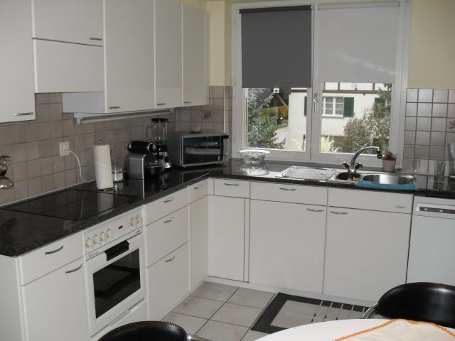schöne 4-Zimmer-Wohnung in Ried b. Kerzers 12836410