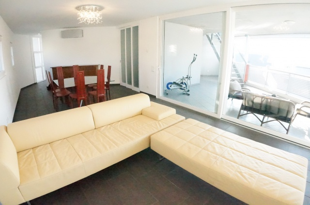 Moderno attico con grandi terrazze 13827767