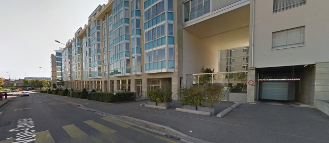 MONTBRILLANT/VERMONT - Parking intérieur 11677015