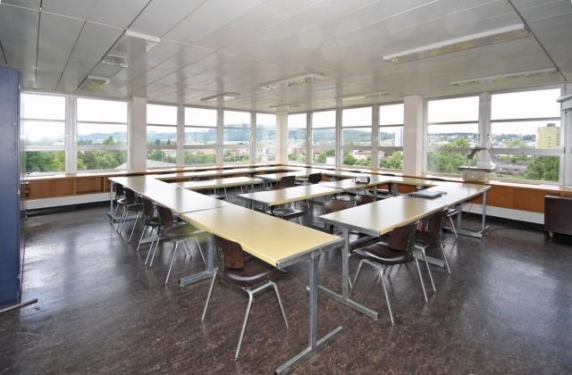 181 m² + 273 m² helle Büroräume mit Aussicht über Zofingen 12422733