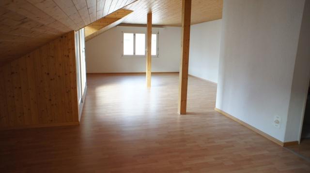 schöne 4 1/2 Zimmer Dachwohnung in Toffen 13901540