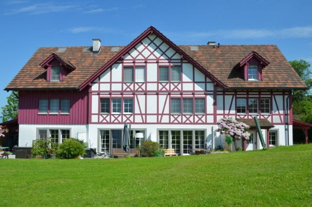 Attraktives Wohnhaus im Grünen (6.5-Zi.-Reiheneckhaus) 11165924