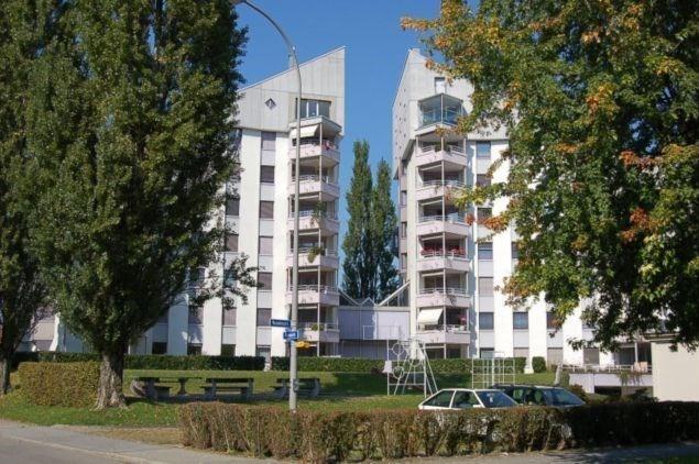 Grosszügige Wohnung mit 2 Balkonen 13840347