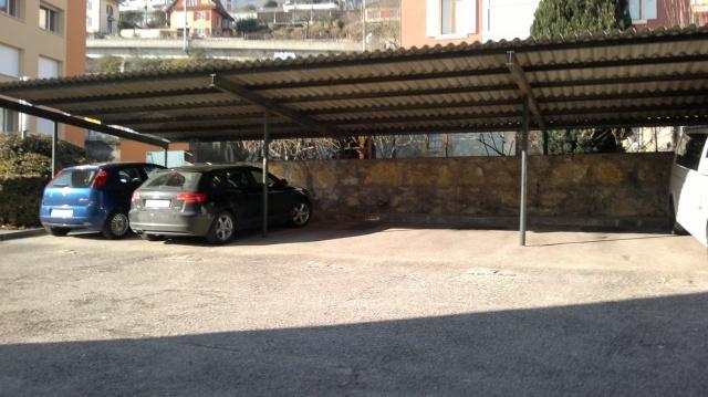 Place de parc couverte extérieur 13863130