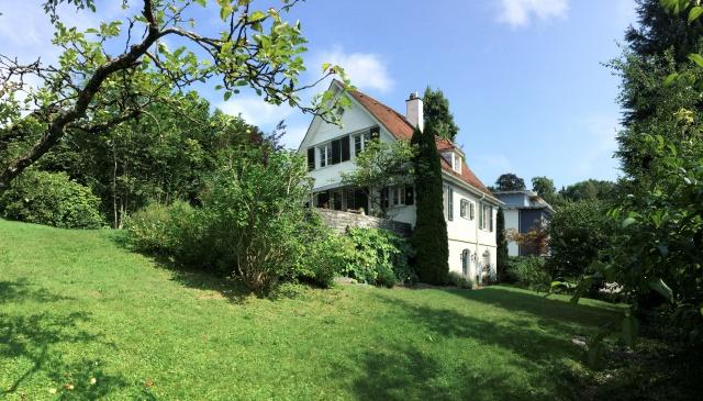 Jugendstil-Haus am Rosenberg mit Garten und Blick auf den Sä 12099859