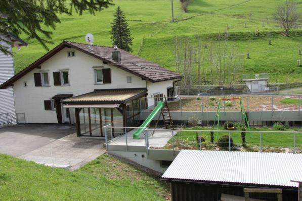 Wohnhaus mit Wintergarten 11567176