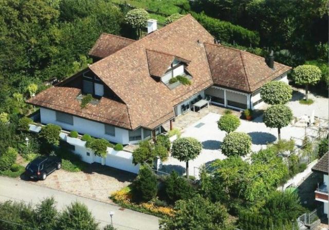 9.5 Zi. Landhaus-Villa mit ausgebautem Untergeschoss 12999457