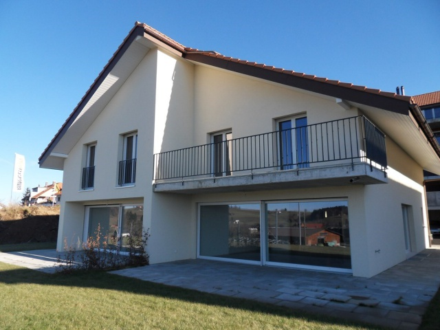 Zu vermieten 4.5 Zimmer Doppeleinfamilienhaus in Lanzenhäuse