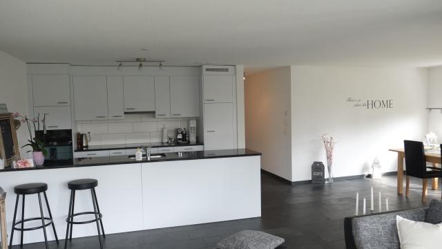 Grosse, wunderschöne moderne 4,5 Zi Wohnung in Schmitten FR 12964841