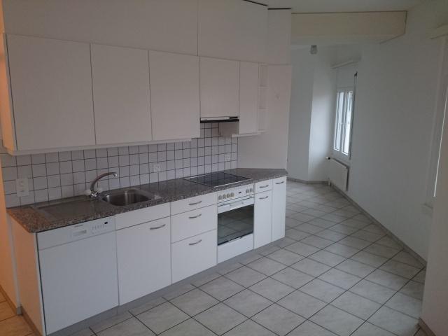 grosse, geräumige 5-Zimmer Wohnung