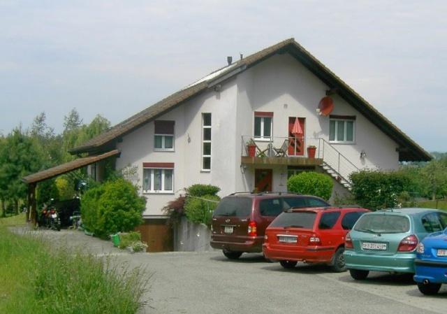 2 Zimmer Dachwohnung mit Charme 13887500