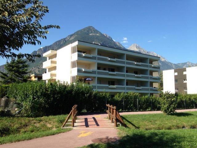 Récent et grand appartement 3.5 pièces 12055738