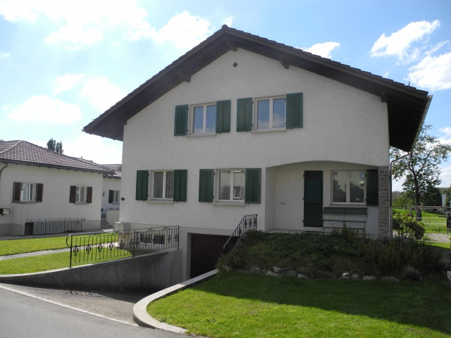 Zu verkaufen Wohnhaus an sonniger Lage