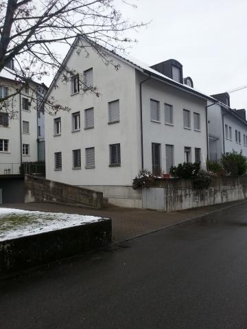 Zentral gelegen und gemütliche 2.5 Zimmer Maisonettewohnung