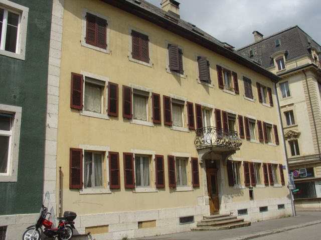 Appartement entièrement rénové 10653764