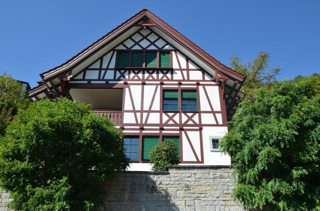Grosses Riegelhaus an Hanglage zu vermieten 12678762