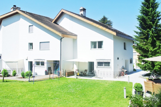 Charmantes Doppel-Einfamilienhaus mit sonnigem Garten 11313209