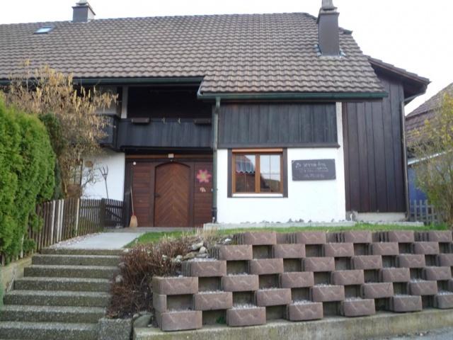 Gemütliche 3.5-Zimmer-Maisonette-Haushälfte an ruhiger&zentr 11985069