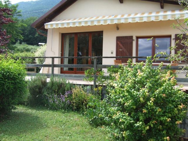 A 15 km de Genève-centre, maison avec grand jardin, vue exce 12871403
