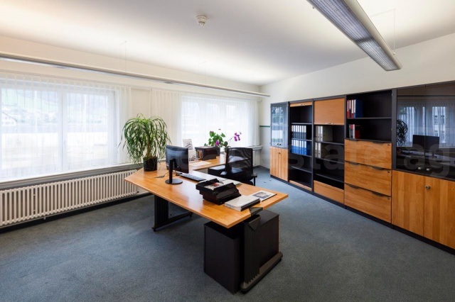 400m² Büroflächen - Wir sind bereit für Ihren Erfolg.