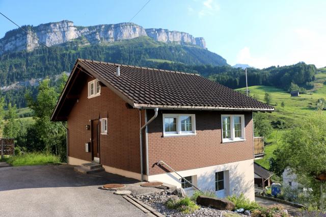 Wohnhaus an sonniger Lage mit herrlicher Aussicht! 11391543