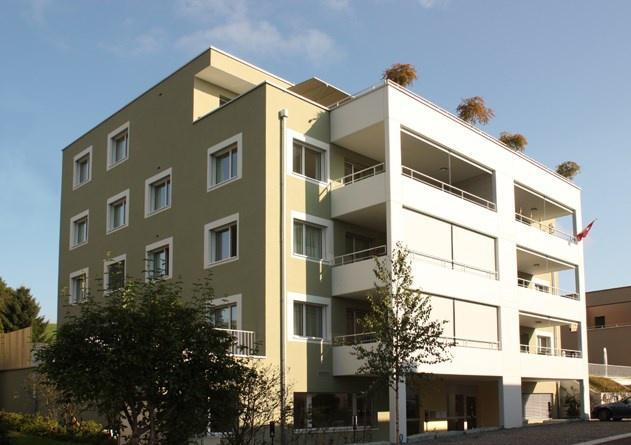 moderne und helle 4 1/2 Zimmerwohnung im EG 10874811
