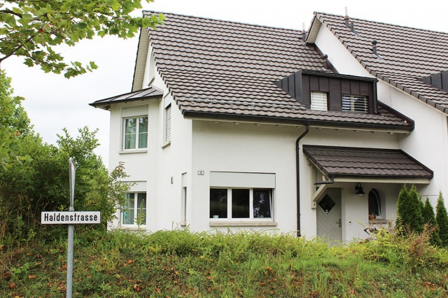 Einfamilienhaus an schöner Wohnlage zu vermieten 12296368