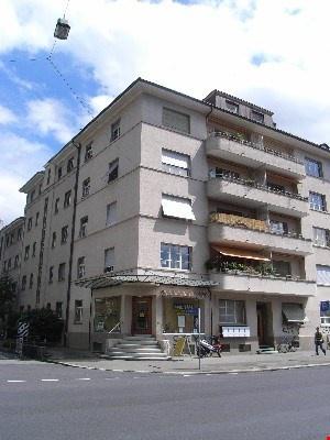 schöne 2-Zimmerdachwohnungen im Breitenrainquartier