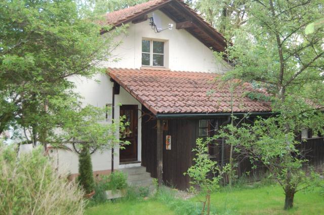 Freistehendes kleines Einfamilienhaus im Grünen 10937410