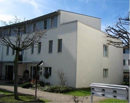 frisch renoviertes 8 1/2 Zimmer Eck Haus 11819326