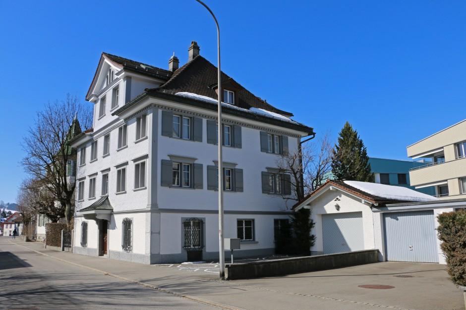 Grosses Herrschaftshaus an hervorragender Wohnlage