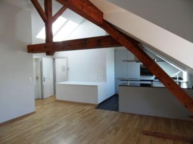 2 1/2 Zimmer Dachwohnung im RENOVIERTEN Altbau
