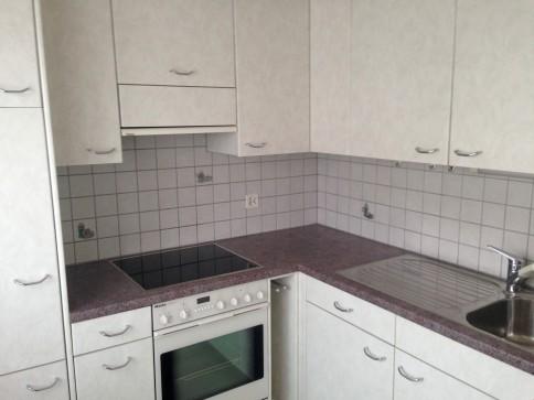2-Zimmer Wohnung neu renoviert in 4 Fam. - Haus mit Balkon