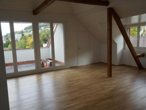 3.5 Zimmer-Dachwohnung/4.OG Erstvermietung nach Totalsanierung