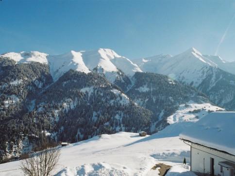 4.5 Zimmer-Dachwohnung mit Aussicht im schönen Bergdorf Lumbrein