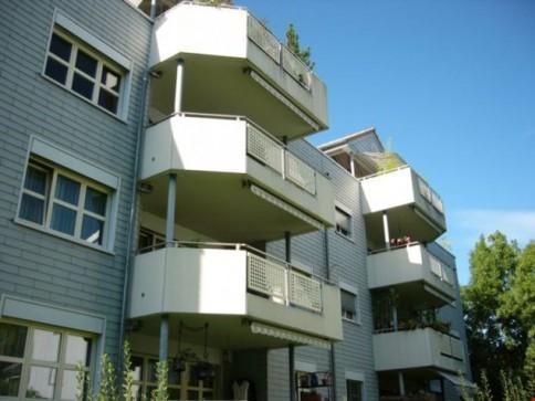 4,5 Zimmer-Wohnung im 3. OG mit 2 Badezimmern und geschlossener Küche