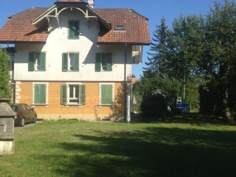 4-Zimmer-Wohnung in 3-Familienhaus mit Gartenmitbenützung