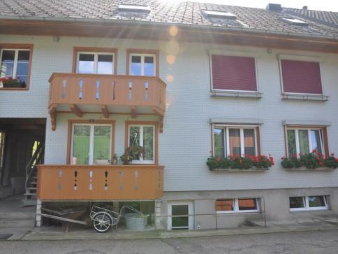4 Zimmer Wohnung mit Wintergarten 1.OG