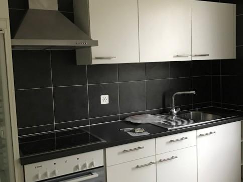 A louer appartement de 3 chambres, cuisine, salle de bain
