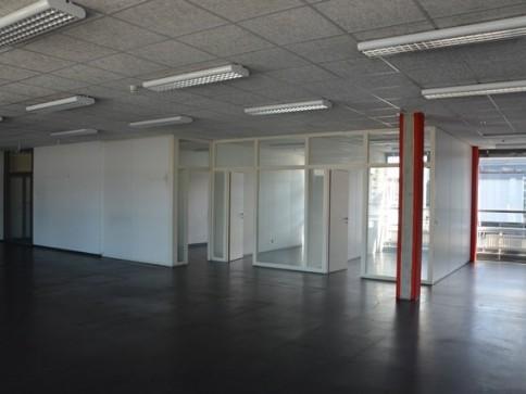 Ausgebaute 300 m2 Büro warten auf Sie