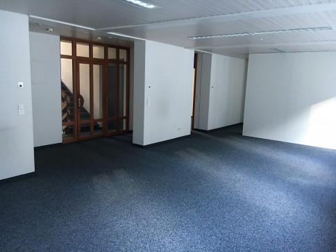 Büro an zentraler Lage in Glarus