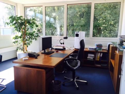 Bürofläche im Gewerbegebiet West in Pieterlen zu Vermieten