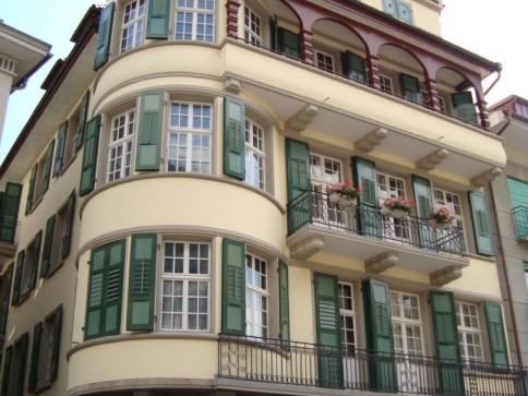 Charmante 5-Zimmer Altbauwohnung im 3. Stock