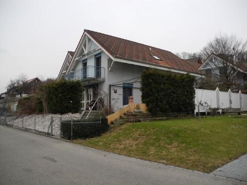 Doppeleinfamilienhaus mit Garage