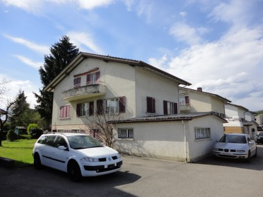 Drei Familienhaus an ruhiger Lage
