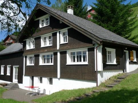 """Ehemaliges """"Stickerheimetli"""" als Ferienhaus im Obertoggenburg"""