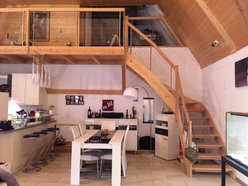 einzigartiger und grosszügiger Hausteil in umgebautem Bauernhaus
